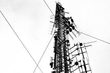 Telefoonmast in zwart/wit van André van Bel