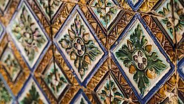 Azulejos (tegeltjes) in Sevilla, Spanje van Jessica Lokker