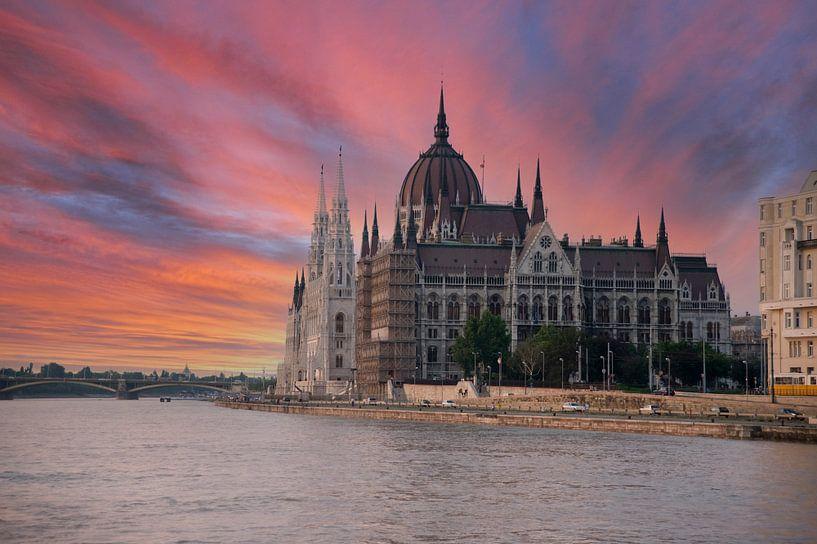 Hongaars parlementsgebouw Budapest. van Brian Morgan