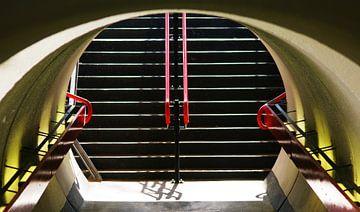 Tunnel op klein station von Kees Jansen
