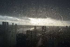 Rotterdam in de regen van