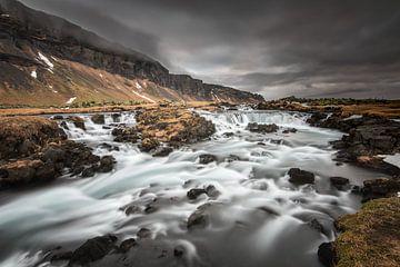 Fossalar, la petite cascade inconnue d'Islande sur Gerry van Roosmalen
