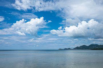 La côte au large de Kho Samui en Thaïlande sur Rick Van der Poorten