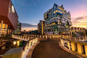 Sonnenuntergang auf dem Inntel Hotelgebäude