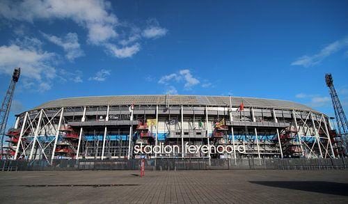 Voorkant stadion Feyenoord met groothoekobjectief van