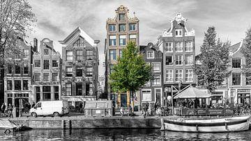 De Oudezijds Voorburgwal in Amsterdam. van Don Fonzarelli
