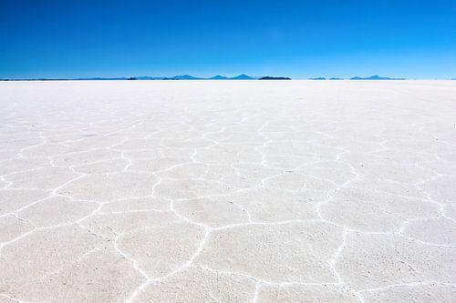 De zoutwoestijn in Bolivia bij Uyuni. Wout Kok One2expose van Wout Kok
