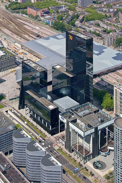 Luchtfoto Delftse Poort en Unilever te Rotterdam