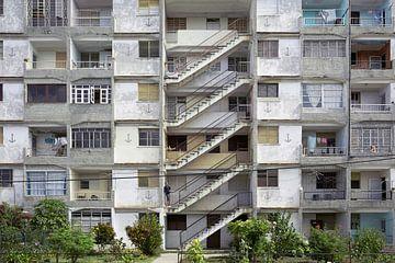 Altes verfallenes Mehrfamilienhaus in Havanna von Tjeerd Kruse