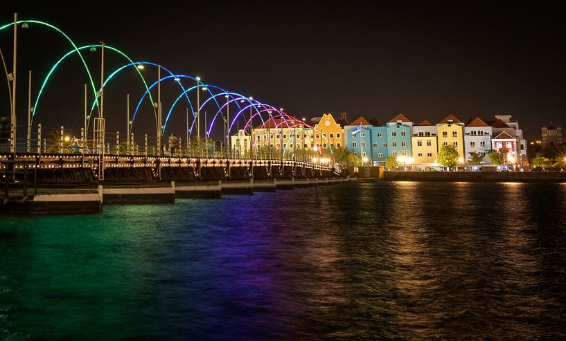 Willemstad by night van Jack Soffers