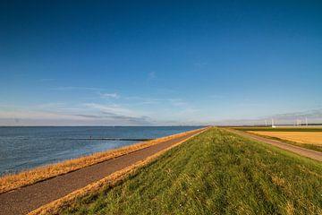 Dijkzicht in Zeeland van Yvonne van Leeuwen