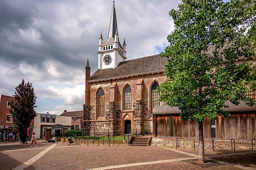 Kerk in centrum van Ommen van Eric Wander