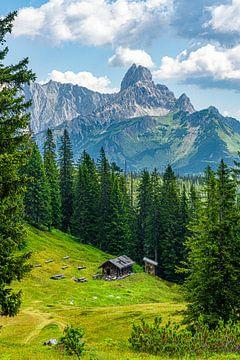 """Berglandschaft """"Hütte in den Bergen"""" von Coen Weesjes"""