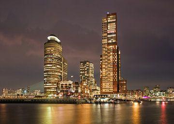Stadslandschap Kop van Zuid bij schemering met Montevideo toren van Tony Vingerhoets