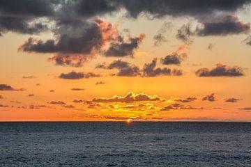 Sonnenaufgang oder -untergang von Rick Van der bijl