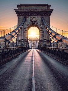 Budapest Chain Bridge van