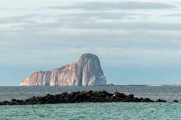 Kicker Rock (León Dormido) von Maarten Verhees