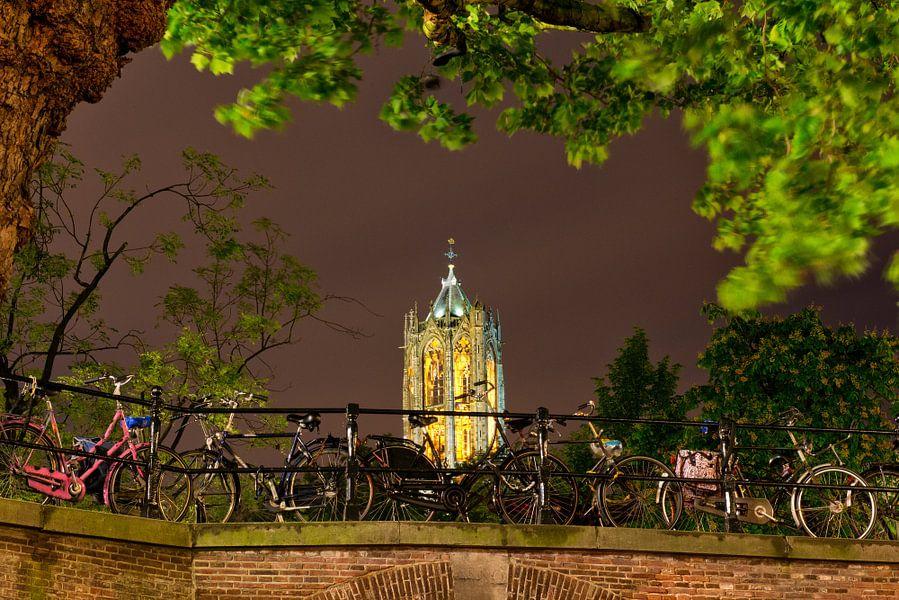 Utrecht Oudegracht: Domtoren bij Gaardbrug van martien janssen