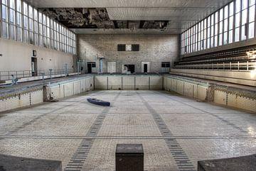 Verlassenes Schwimmbad von Tim Vlielander