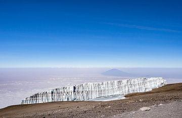 Op de top van Kilimanjaro van
