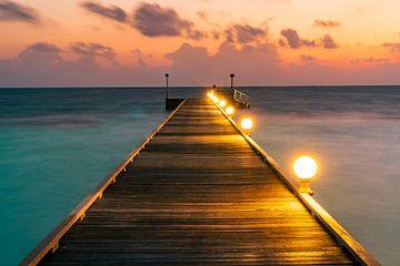 De loopbrug naar de zonsopgang van Christian Klös