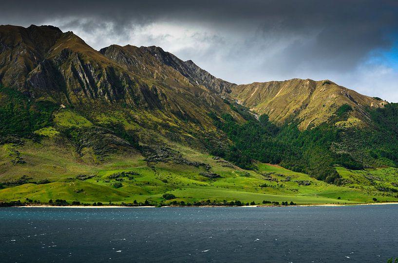 Lake Hawea - Nieuw Zeeland van Ricardo Bouman
