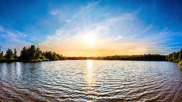 Zonsondergang aan het meer van Günter Albers