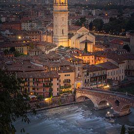 De klokkentoren van Verona van Dennis Donders
