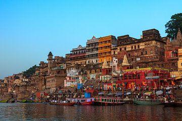De Ghats van Varanasi van Roland Brack