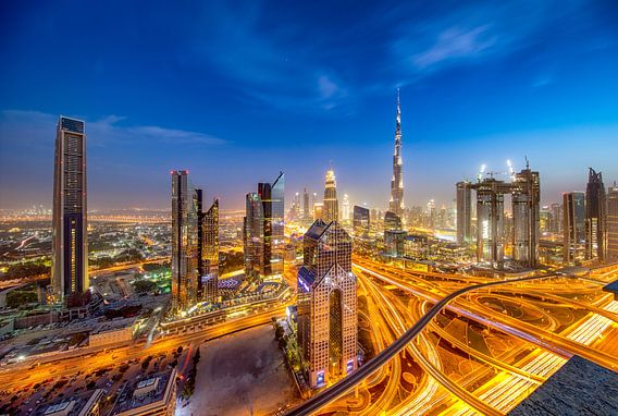 Burj Khalifa - Sheikh Zayed Road en Al Safa street van Rene Siebring