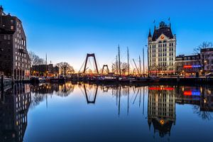 Alter Hafen in der blauen Stunde von Prachtig Rotterdam