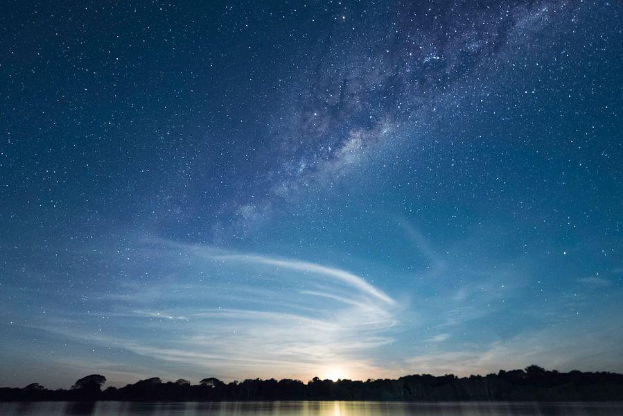 Melkweg tijds maanopkomst van Leon Doorn
