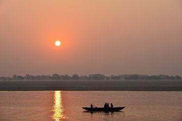 Zonsopkomst aan de Ganges van Thea Oranje