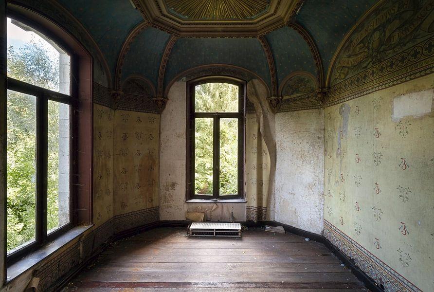 Kamer in Verlaten Kasteel. van Roman Robroek
