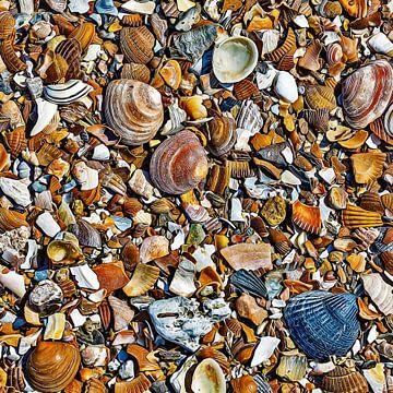Hunderte von kleinen Kunstwerken am Strand von Art by Jeronimo