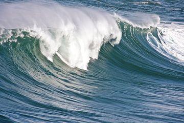 Reuze golf in de atlantische oceaan van Nisangha Masselink