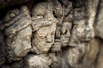 Les visages de Borobudur sur Chantal Nederstigt