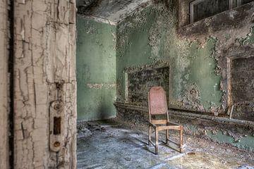 Abandonné place - chaise solitaire sur Carina Buchspies