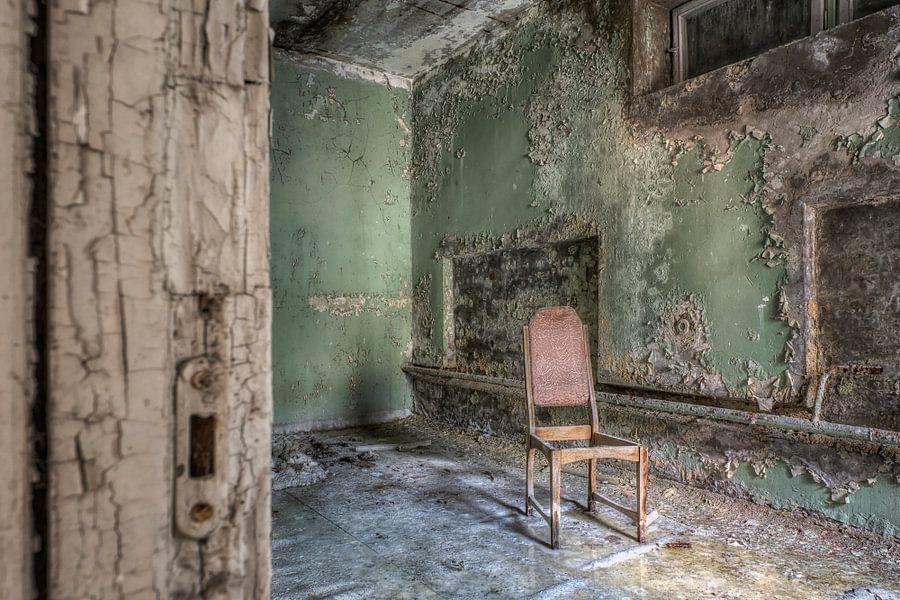 Verlaten plaats - eenzame stoel