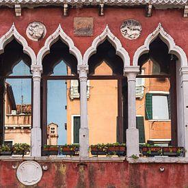 Historische Gebäude in der Altstadt von Venedig von Rico Ködder
