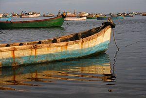 Visserboten bij Rameswaram vangen het laatste zonlicht