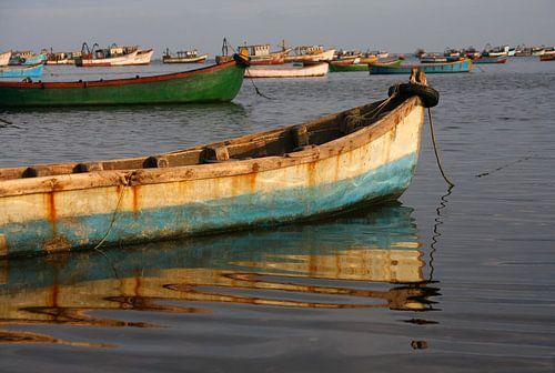 Visserboten bij Rameswaram vangen het laatste zonlicht van