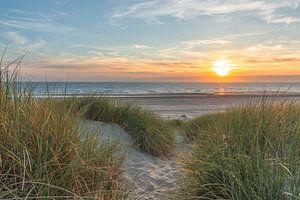 Zonsondergang aan de Noordzee van Wim Kanis