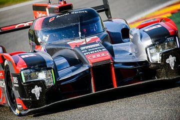 Audi R18 e-tron quattro Le Mans Prototype race auto van