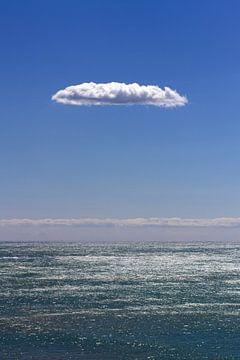 clouds about atlantic ocean van Bernd Hoyen