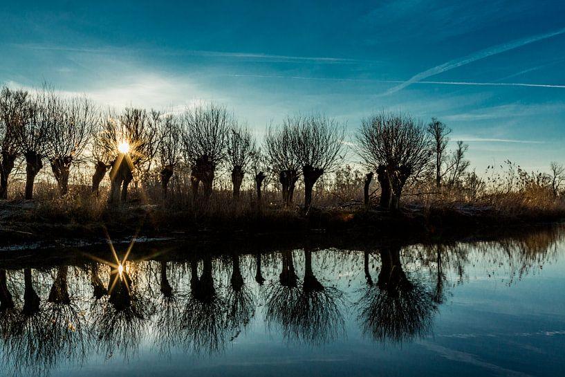 Zonsopkomst in de Brabantse Biesbosch van Loek Groot