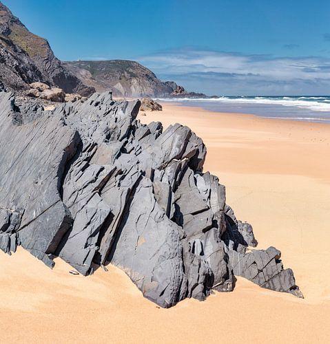 Praia do Castelejo, Vila do Pisbo, Algarve, Portugal van