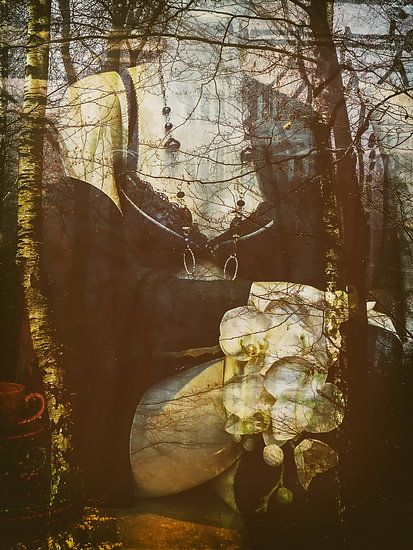 Sitting in the autumn van Gabi Hampe