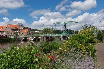 Mooie Hogebrug in Rotterdam Overschie