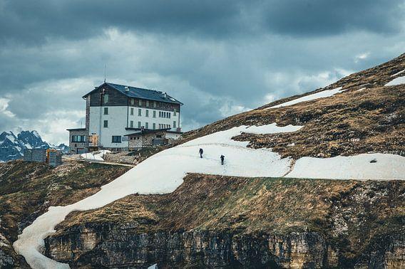 Road to the Dolomites van michael regeer